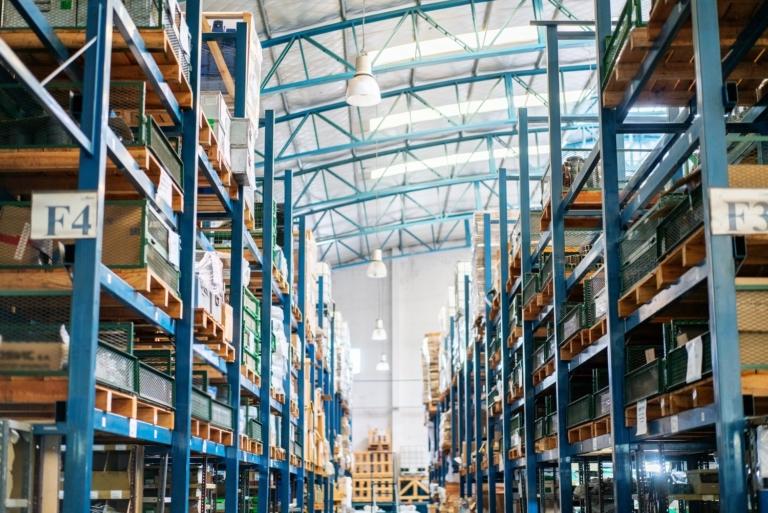 Entrepôt intelligence artificielle grande distribution