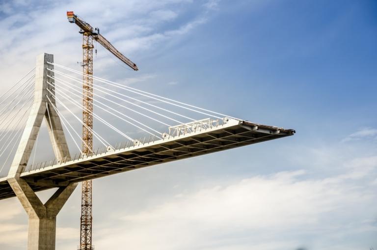 Ingénierie pont en construction